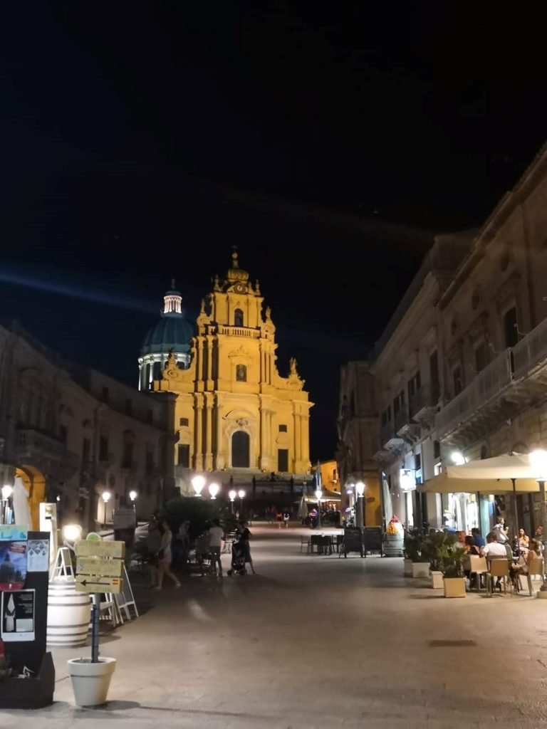 Night picture of a square in Sicily